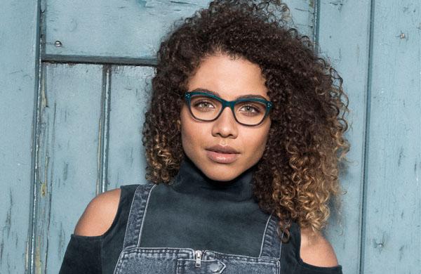 Teenage girl wearing Basebox pair of glasses.